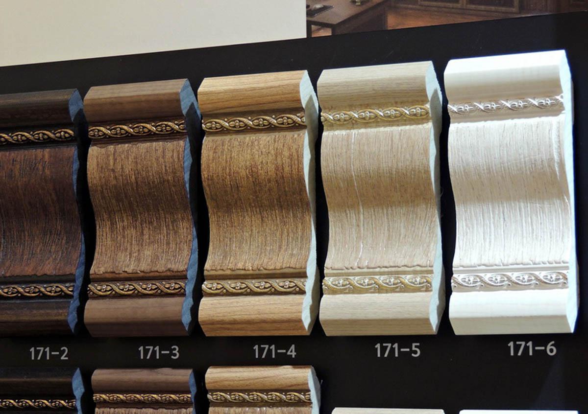 Молдинг угловой цветной DECOMASTER 116M-6